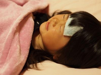 インフルエンザで高熱の女の子