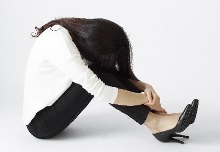 うつで苦しむ女性