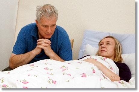 高齢者がインフルエンザで寝込む姿