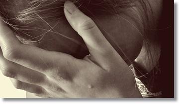 うつ病の女性の写真A