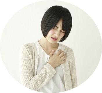 肺炎を起こして咳が止まらない女性