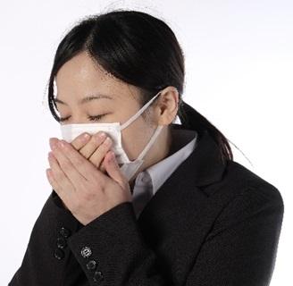 咳が止まらない女性Cの画像