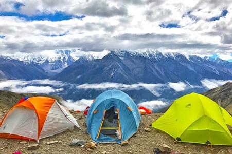 登山でのキャンプの画像